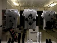 tshirt store photo