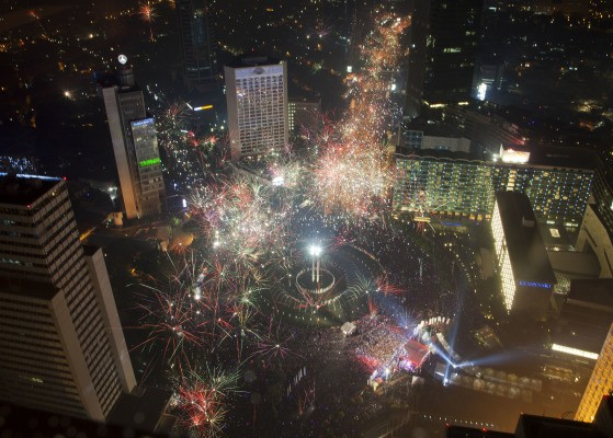 fireworks-all-over-the-world-indonesia